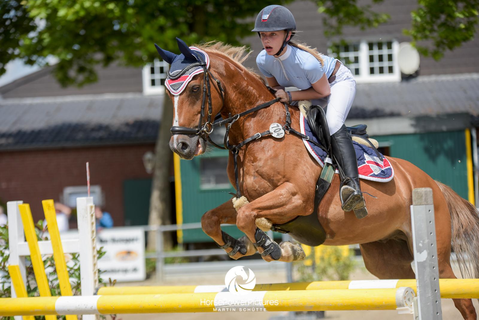 Hanna Schumacher - Team HorsePowerPictures