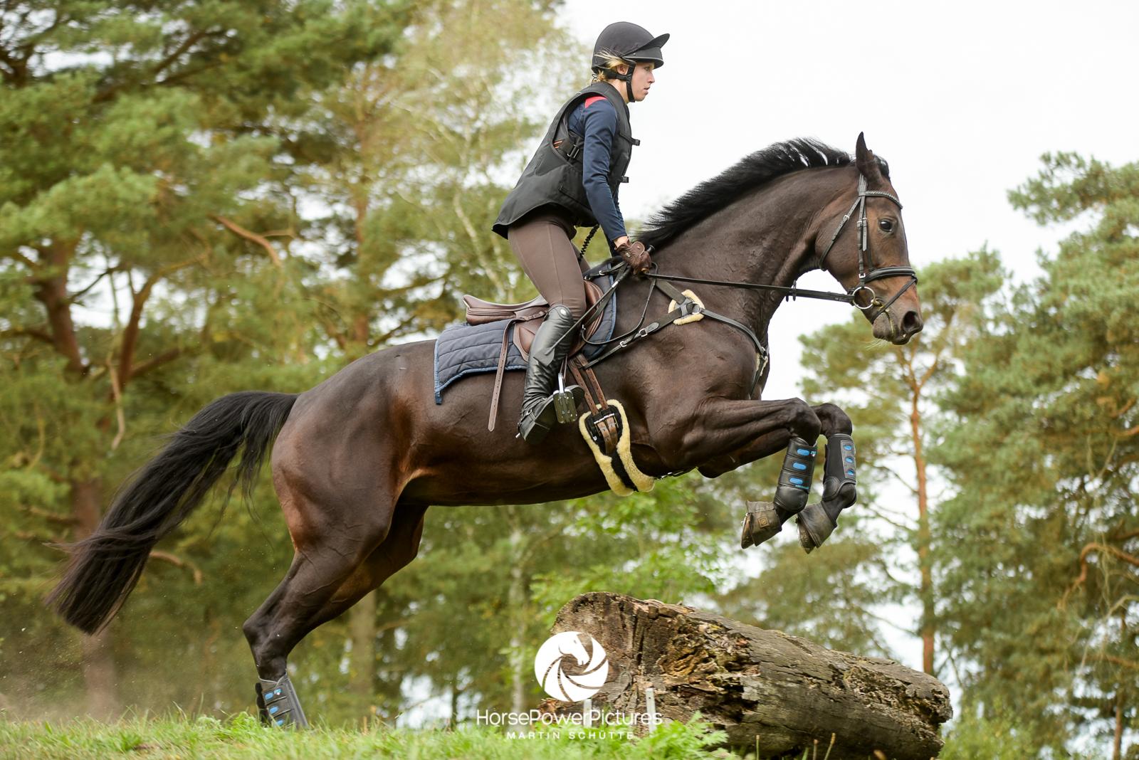 Sabrina Rieskamp - Team HorsePowerPictures
